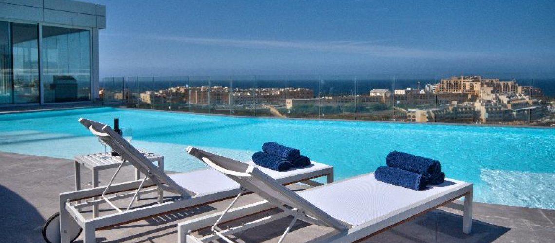 Be Hotel Pool